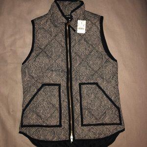 NWT J.Crew Factory Herringbone Printed Puffer Vest